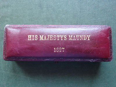 1827 maundy set case