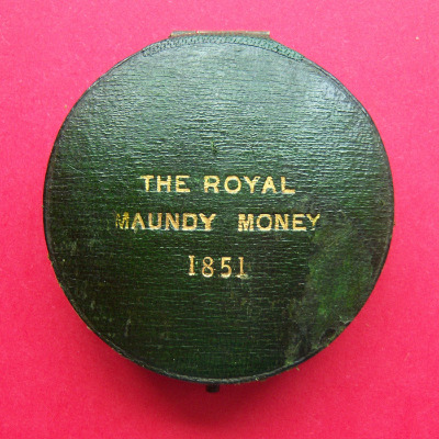 1851 round maundy set case