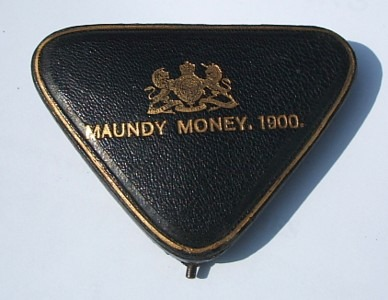 1900 triangular maundy set case