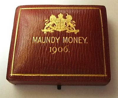 1906 square maundy set case