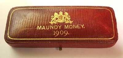 1909 maundy set case