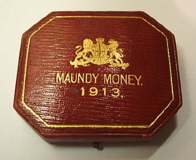 1913 maundy set case