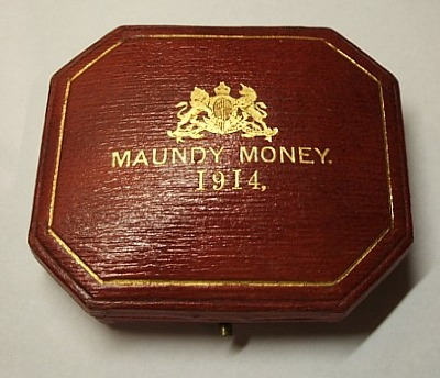 1914 maundy set case