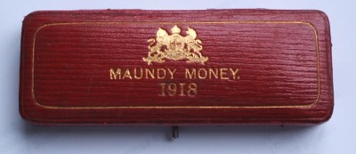 1918 maundy set case