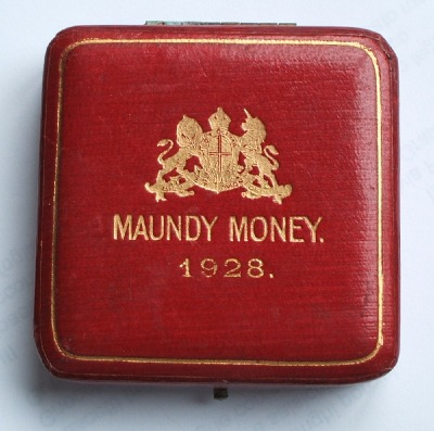 1928 maundy set case