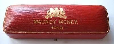 1942 maundy set case
