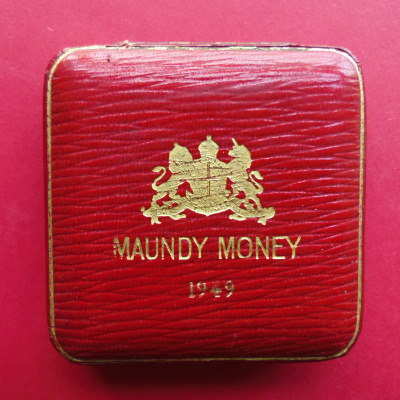 1949 maundy set case