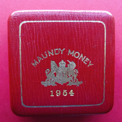 1954 maundy set case