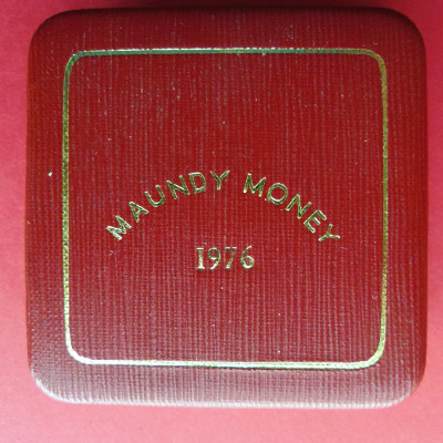 1976 maundy set case