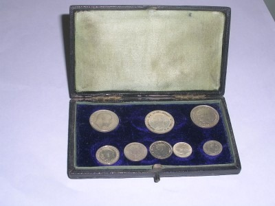 Undated Edward VII Double maundy set case.
