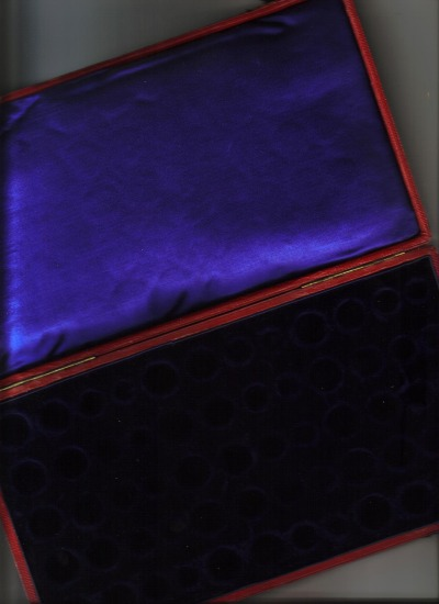 Undated Victorian 15 Set Case interior in plush blue with blue satin.